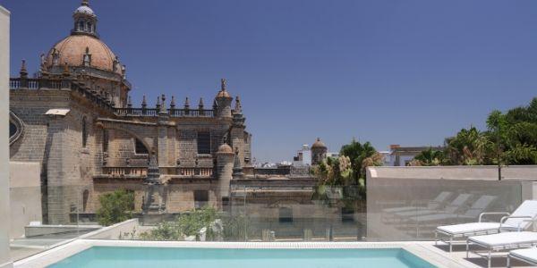 Hotel Bodega Tío Pepe, el primer sherry hotel del mundo
